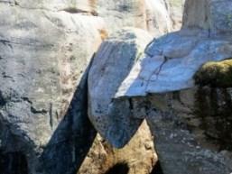 Observar el mundo desde una piedra - Kjeragbolten-Rogaland-Norway-300x225
