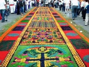 Comayagua (Honduras), un destino para Semana Santa - Tapiz-avenida-Cervantes-300x225