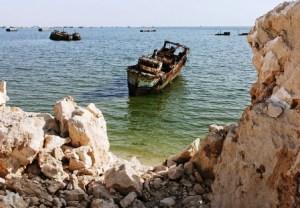 El cementerio de barcos de Nouadhibou - 5467627945_be3f2ccfcd_z-300x208