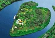 Día de los enamorados: viajes a la isla del corazón - makepeace-Island-300x210