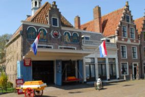 Edam, algo más que un queso - edam-holland-cheese-market-netherlands-300x201