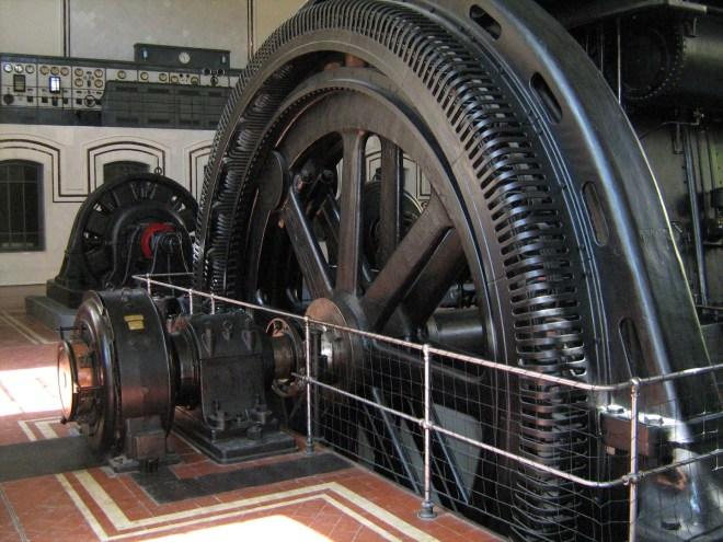 Nave de Motores - Alternador anejo al motor