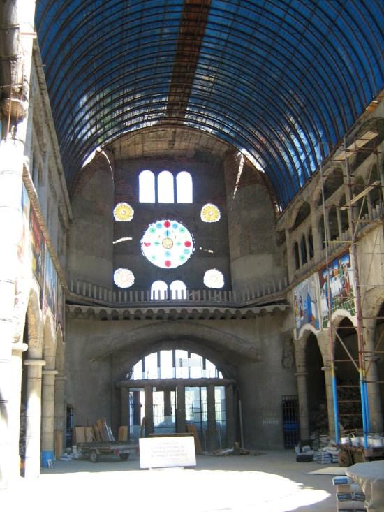 La Catedral de Justo - Bóveda de medio punto con rosetón al fondo.