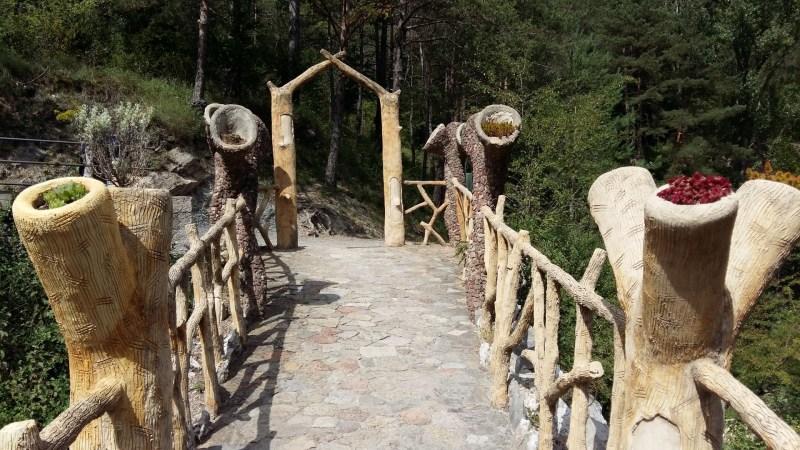 Los Jardines Artigas - Entrada desde la pasarela