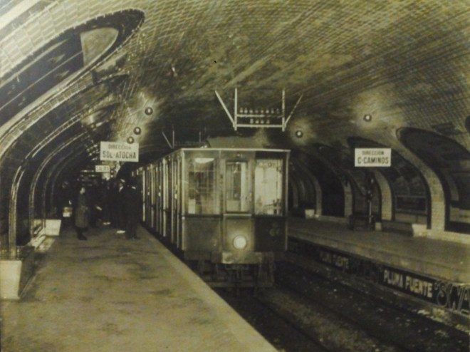 Estación Fantasma de Chamberí - El Metro de Madrid circulaba por la izquierda, como los coches