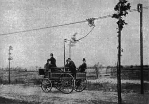 Estación Fantasma de Chamberí - Primer vehículo con trole del mundo (2)
