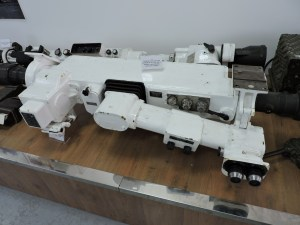 Museo de Carros de Combate - Telémetros y periscopios de diversos tanques