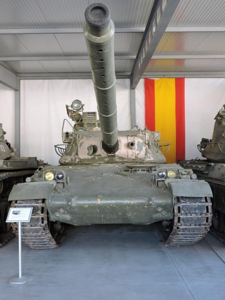 """Museo de Carros de Combate - AMX-30, """"El Niño"""", prototipo para modernización"""