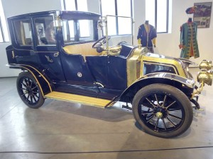 "Museo Automovilístico - Renault ""Coupé de Ville"" (Francia - 1911)"