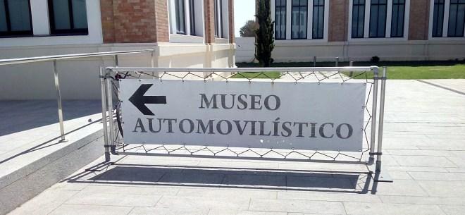 Señal indicadora del Museo