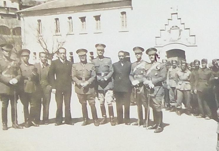 Parque de los búnkeres - Militares en la plaza de Martinet (1944)