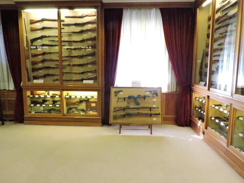 Museo de la Guardia Civil - Es difícil ver con detalle cada una de las armas (Imagen propiedad del Museo de la Guardia Civil)