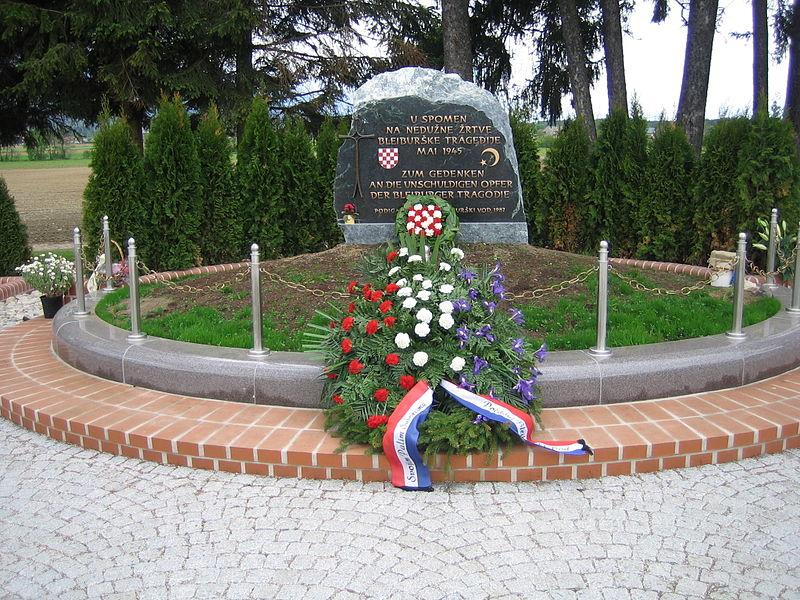 Tumba Ante Pavelic - Memorial en recuerdo de las víctimas de las matanzas de Bleiburg, donde los partisanos de Tito asesinaron a 50.000 croatas y eslovenos que huían, con la pasividad de las tropas británicas (14)