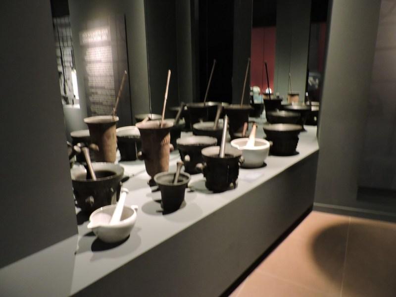 Museo Farmacia Militar - Colección de morteros de los siglos XVII , XVIII y XIX.
