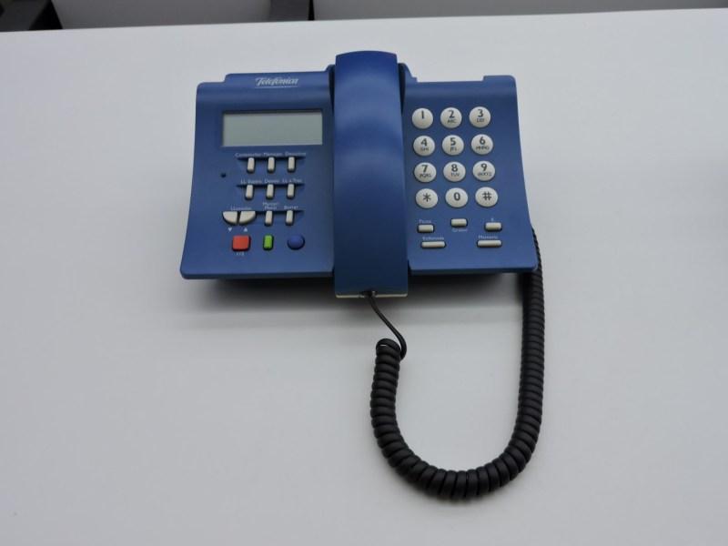 Museo de las Telecomunicaciones - Modelo Domo de Telefónica. Quizá el último modelo común en casi todas las casas.