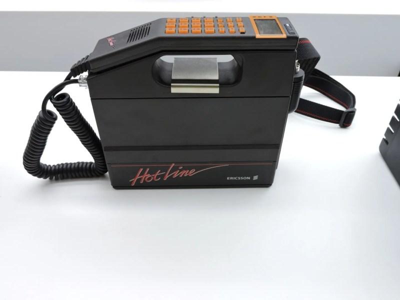 Museo de las Telecomunicaciones - Teléfono Hotline de Ericsson de primera generación. Normalmente se instalaba en los coches, ya que pesaba 3 Kg