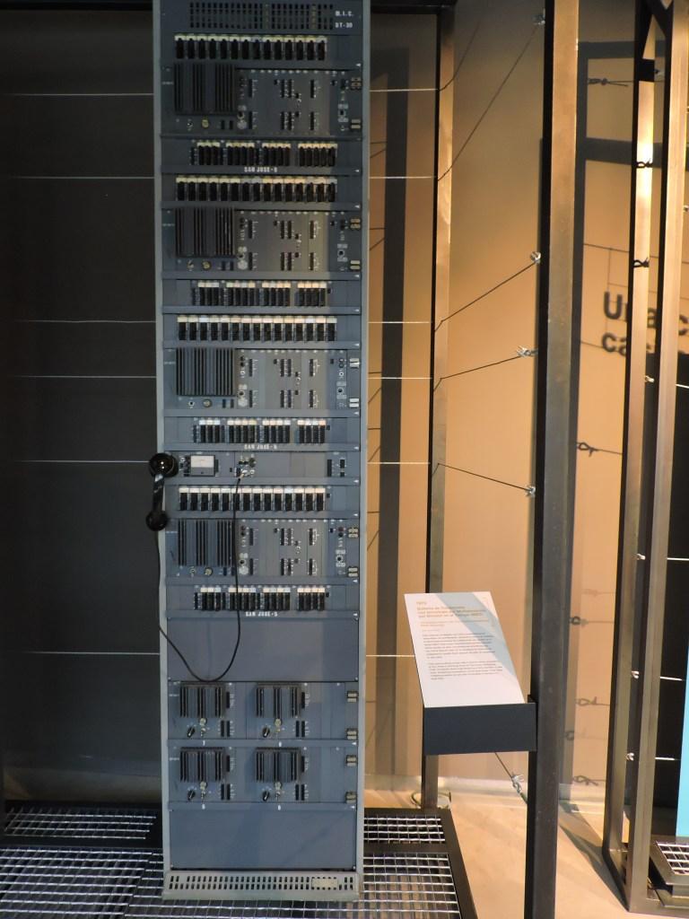Museo de las Telecomunicaciones - Bastidor de un nodo de transmisión TDM (multiplexación por división de tiempo)