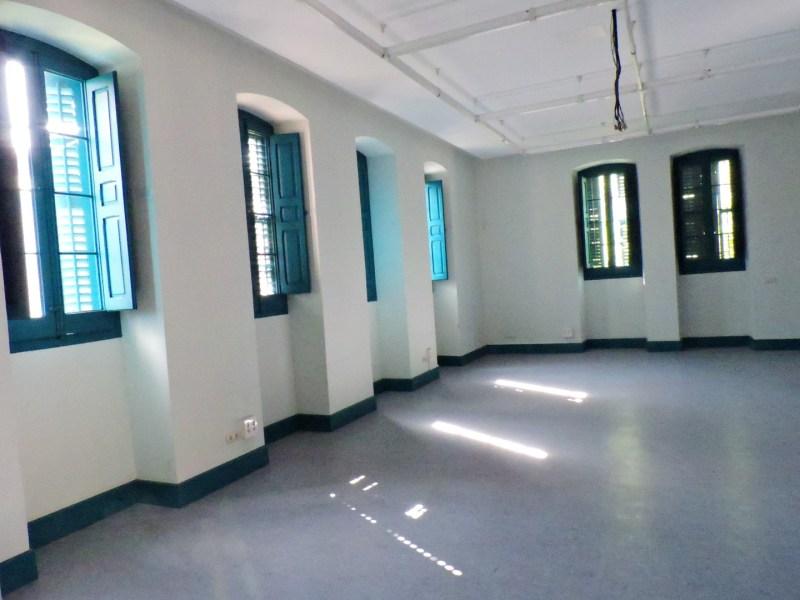 Museo de la Homeopatía - Aspecto de las habitaciones de enfermos. Los ojos de buey de ventilación están tapiados por el interior.
