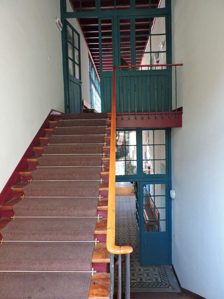 Museo de la Homeopatía - Vista desde la escalera de los dos pisos.