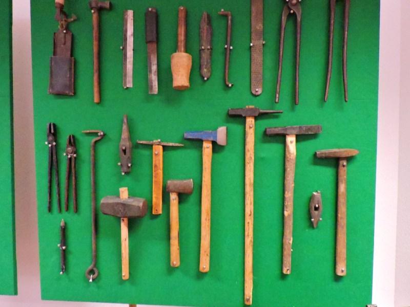 Museo Veterinaria Militar - Colección de martillos de campaña.