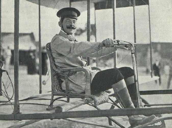 El Vuelo de Juan Olivert - Juan Olivert a los mandos de su avión (6)