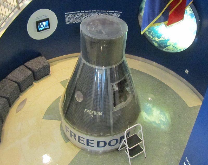 Deep Space Network - Red del Espacio Profundo - Madrid - Alan Shepard fue el primer estadounidense y tercer hombre en salir al espacio, aunque en vuelo suborbital de tan sólo 15 minutos. En la imagen la nave de Shepard, Freedom 7 (13).