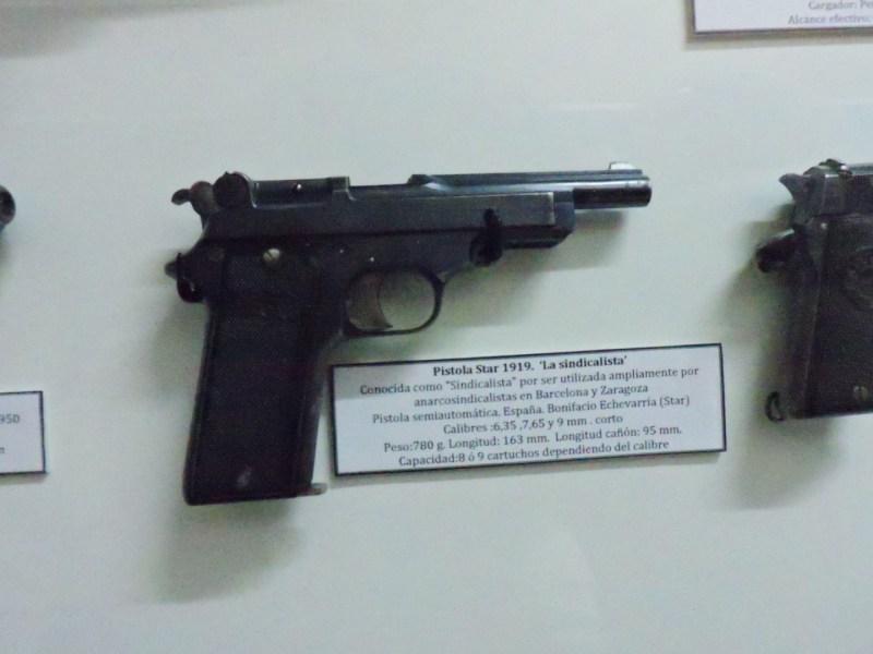 """Museo División Azul - Pistola Star 1919, más conocida como """"Sindicalista"""", ya que era la que usaban habitualmente los anarcosindicalistas de Barcelona y Zaragoza."""
