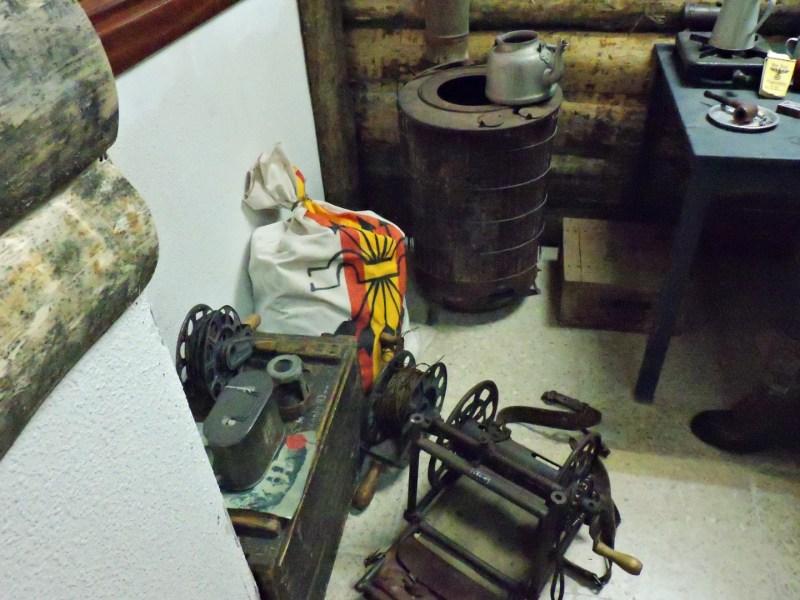 Museo División Azul - Carretes de hilo telefónico para desplegarlos a medida que avanzaba el frente y poder establecer comunicación con el cuartel general.