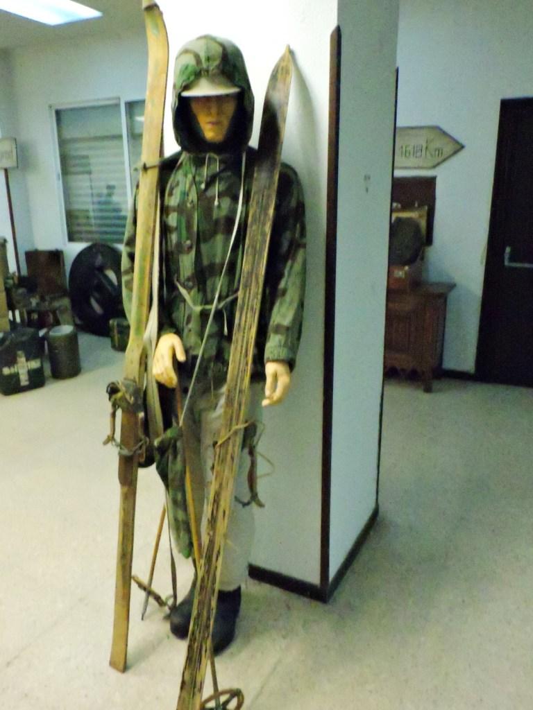 Museo División Azul - Traje de esquiador. La mayoría de los esquiadores murieron en la operación de rescate de Vsvad.