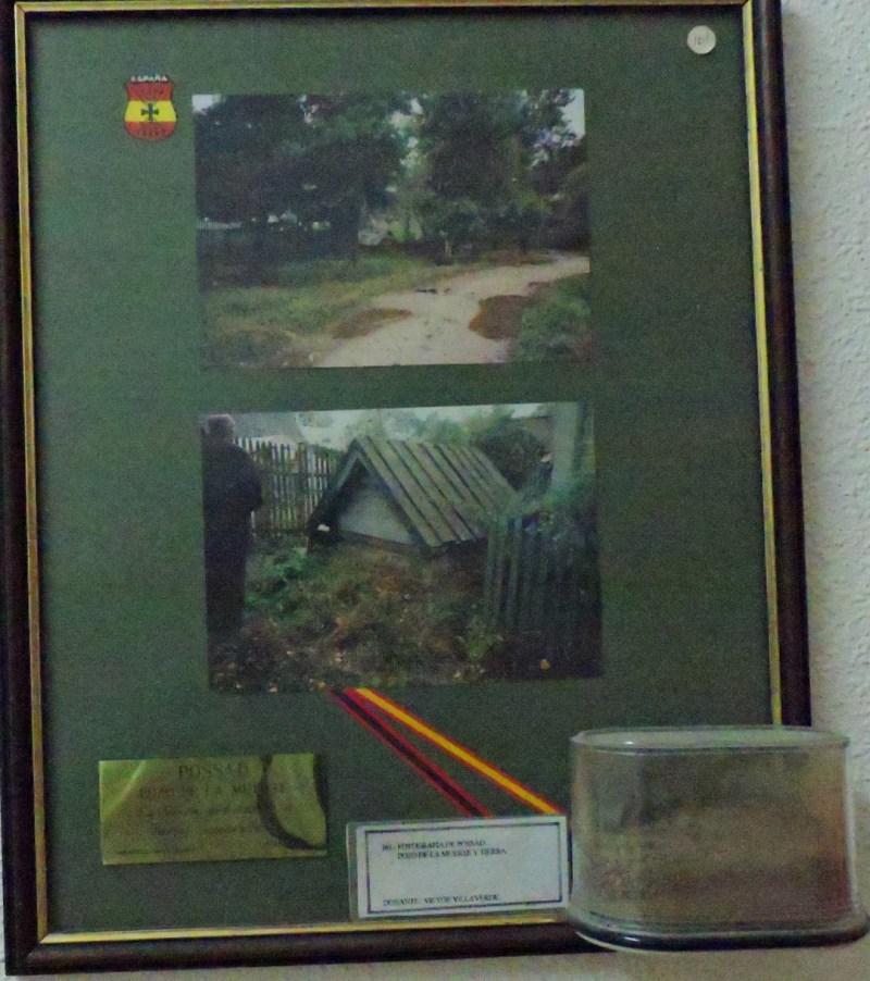 Museo División Azul - Durante 1941 y 1942 se habían producido feroces combates entre la División Azul y las tropas rusas, como la Batalla de Possad, o el Cerco de Vsvad. En la imagen, cuadro de Possad con tierra de la zona.