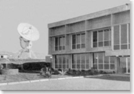 Deep Space Network - Red del Espacio Profundo - Madrid - Fotografía de la Estación de Seguimiento de Canarias en su emplazamiento original, cerca del faro de Maspalomas. Posteriormente fue trasladada 4 Km al Noroeste, debido al boom turístico (16).