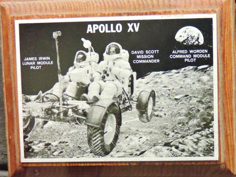 Museo Lunar - Pisapapeles con el rover lunar, usado por primera vez en el Apolo XV.