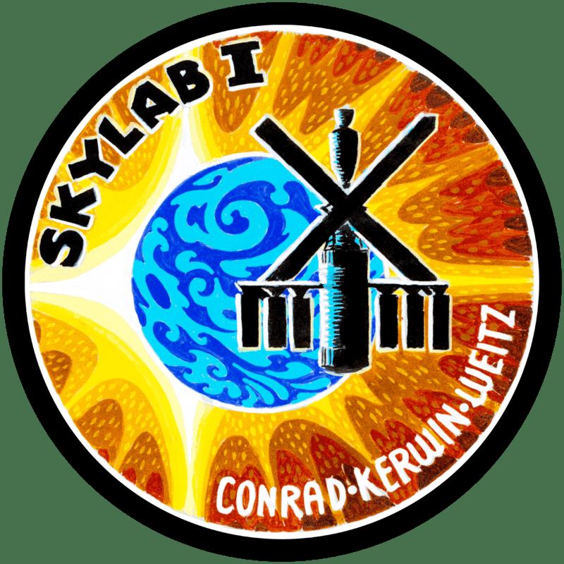 Museo Lunar - Los de comunicaciones de la NASA no estuvieron muy finos con las nomenclaturas y diseñaron el emblema para la misión Skylab II, como Skylab I, error que mantuvieron en las siguientes misiones (5).