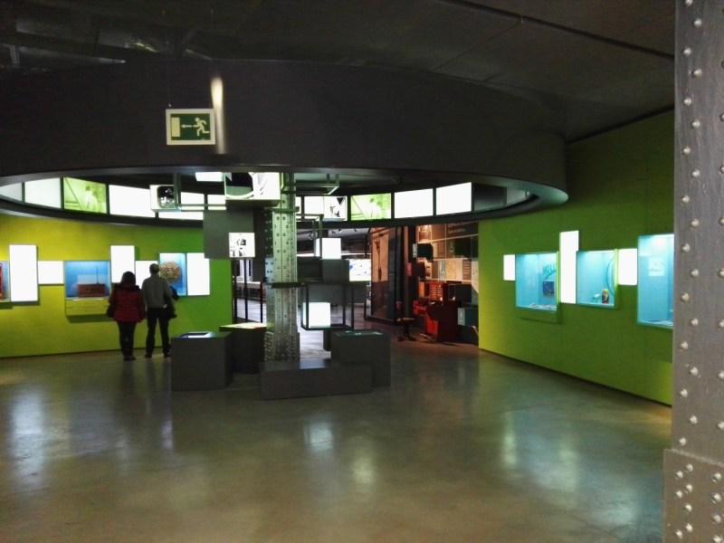 Exposición Theremin - Como se puede apreciar, el espacio expositivo es muy pequeño.