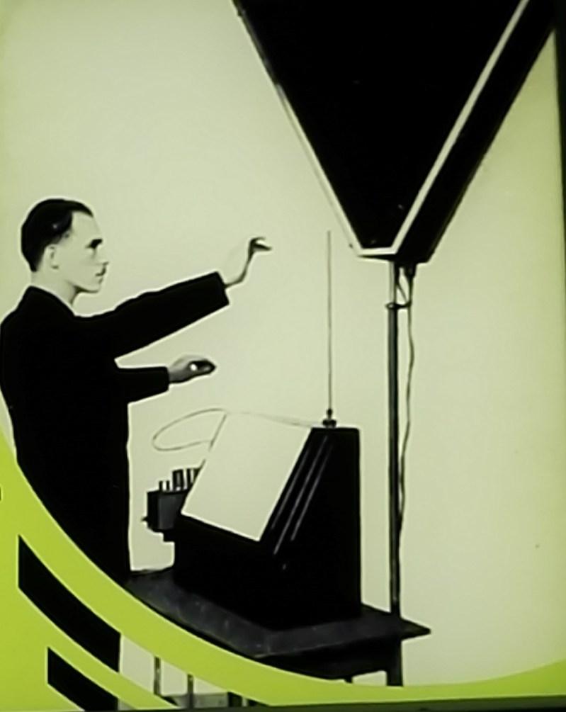 Exposición Theremin - Gracias a su educación musical, el propio Theremin daba conciertos con su instrumento.