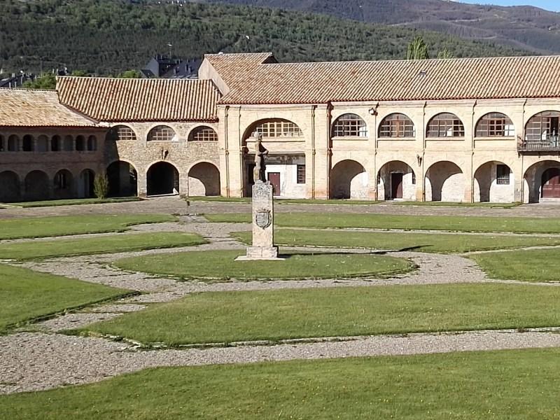 Museo de Miniaturas Militares - El interior de la Ciudadela es también un pentágono, con edificios en sus aristas.