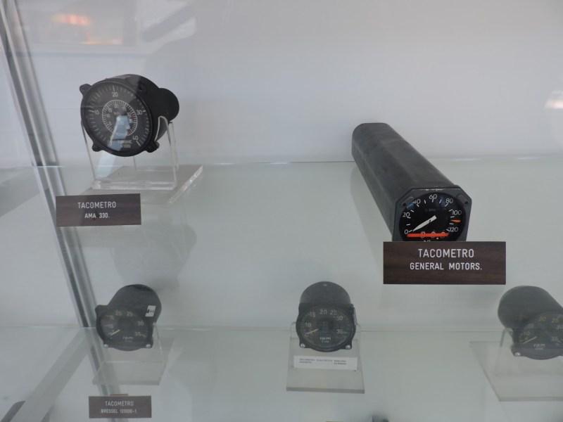 Museo del Aire - Tacómetros de avión.