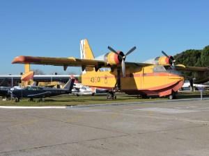 Museo del Aire - Canadair CL-215. Avión anfibio de lucha contraincendios. Hizo su primer vuelo en 1967.