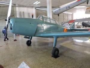 """Museo del Aire - Avioneta de entrenamiento INTA-AISA """"Huarte Mendicoa"""" HM-1B. Fabricada en 1942, el ejército utilizó hasta 180 de estos aviones, hasta su baja en 1958."""