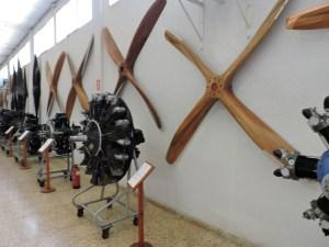 Museo del Aire - .... a hélices de madera.