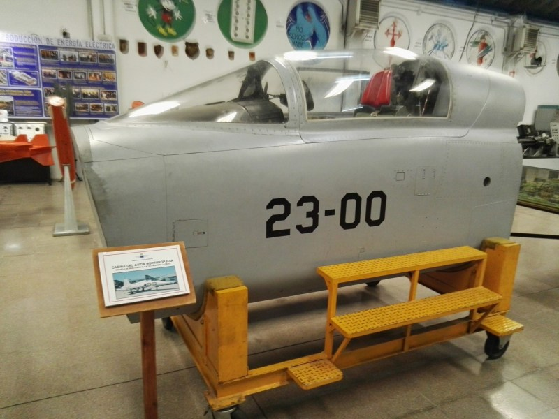 Museo del Aire - Simulador de un Sabre (Norht American F-86)
