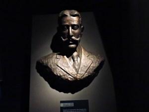 Museo del Aire - Es curioso que Antonio Fernández Duro comparta presencia con Juan Carlos I. ¿Habrá contribuido la empresa Duro-Felguera en la rehabilitación de este hangar?