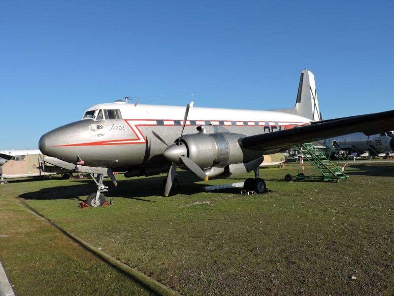 """Museo del Aire - CASA C-207 """"Azor"""", fabricado a partir de 1955. Su cabina no estaba presurizada, por lo que no tuvo demasiado éxito. Estuvo en servicio entre 1960 y 1982."""