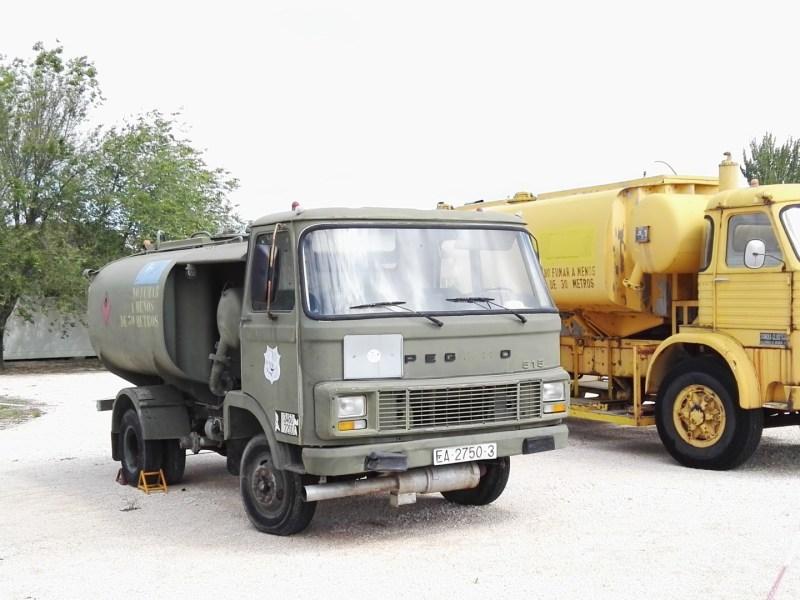 Museo del Aire - Camión cisterna.