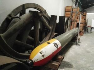 Almacén del MUNCYT - Torpedo alemán de submarinos G7a, muy usado en la IIGM. Estaba propulsado por un motor de explosión y aire comprimido, que dejaba una estela de burbujas, fácilmente identificable.