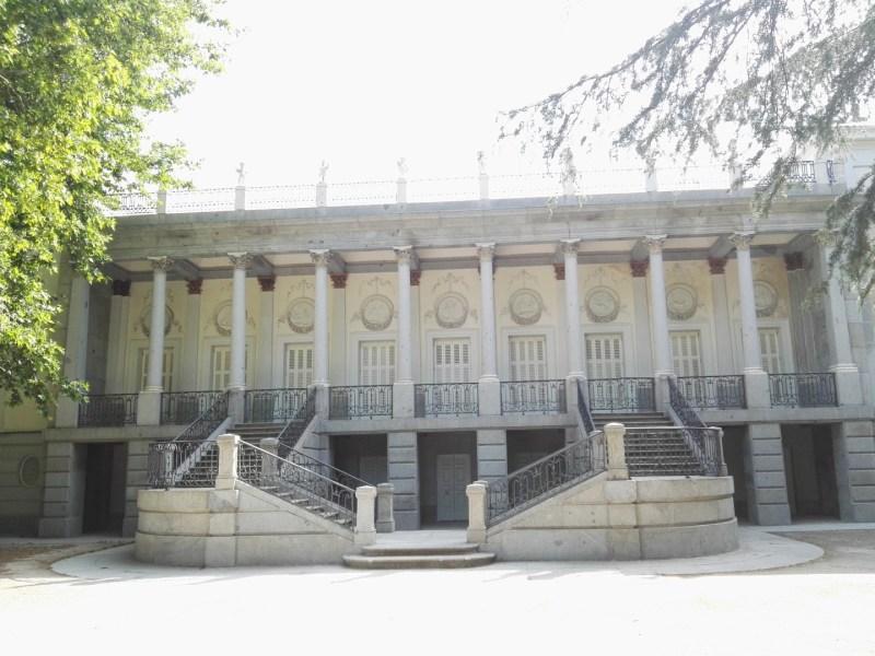 Búnker de El Capricho - Palacio de la Duquesa de Osuna y Cuartel del General Miaja.