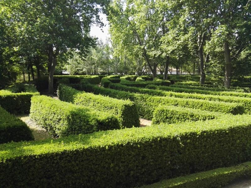 Búnker de El Capricho - El laberinto, muy típico en los jardines nobiliarios del S. XVIII.