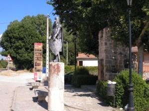 El vuelo de Diego Marín - Estatua de El Cid, justo enfrente de la de Diego Marín.