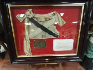 Museo de la Bripac - Banderín paracaidista del primer salto en acción de guerra.