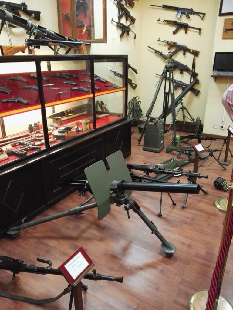 Museo de la Bripac - Colección de armas de los cazadores paracaidistas.